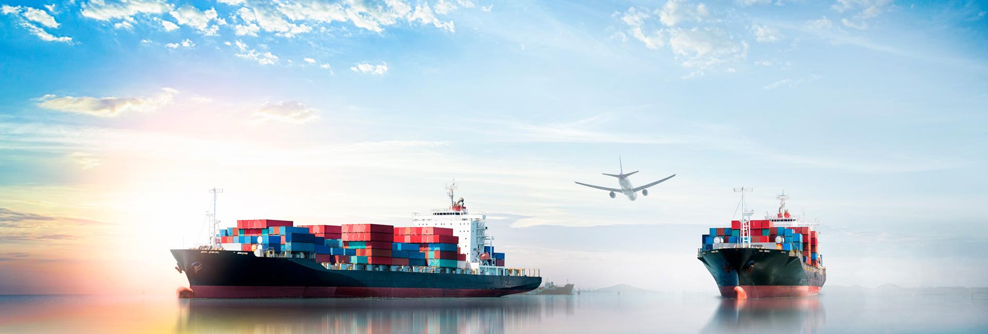 Cargo Schiffe und Flugzeug